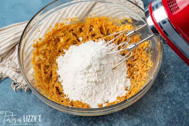 flour in pumpkin butter mixture