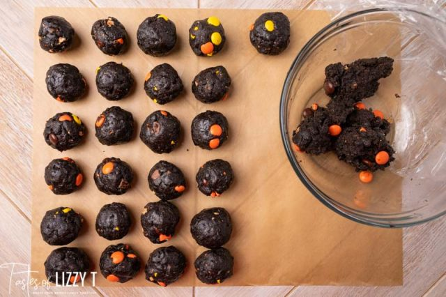 rolling oreo ball truffles