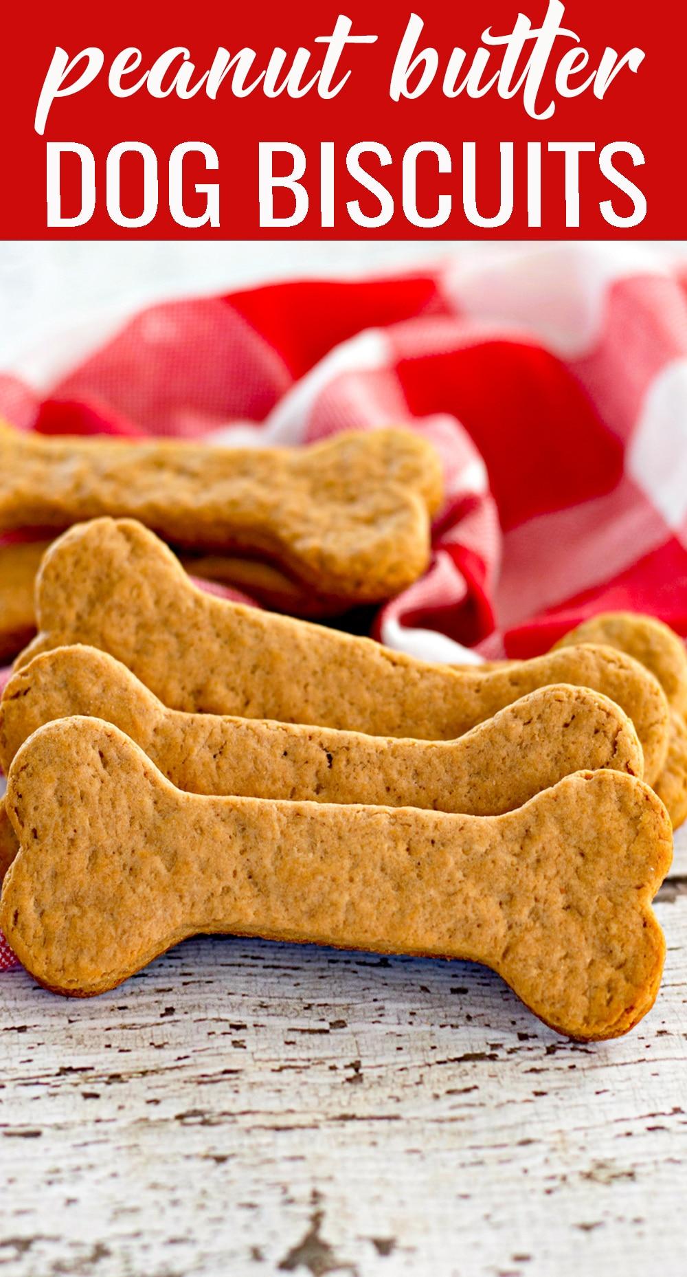 Your pups will love these homemade dog biscuits loaded with whole wheat flour, peanut butter and molasses. They make a healthy crunchy treat. via @tastesoflizzyt