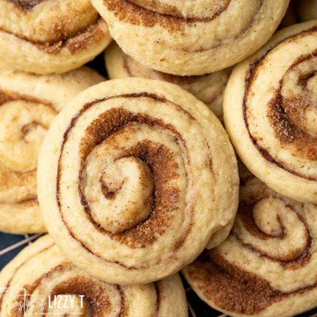 cinnamon roll cookies in a pile