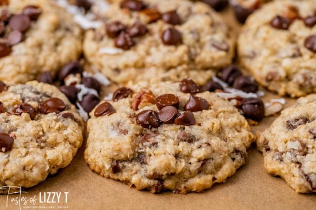thick oatmeal cowboy cookies