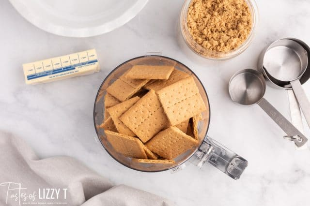 graham crackers in a food processor