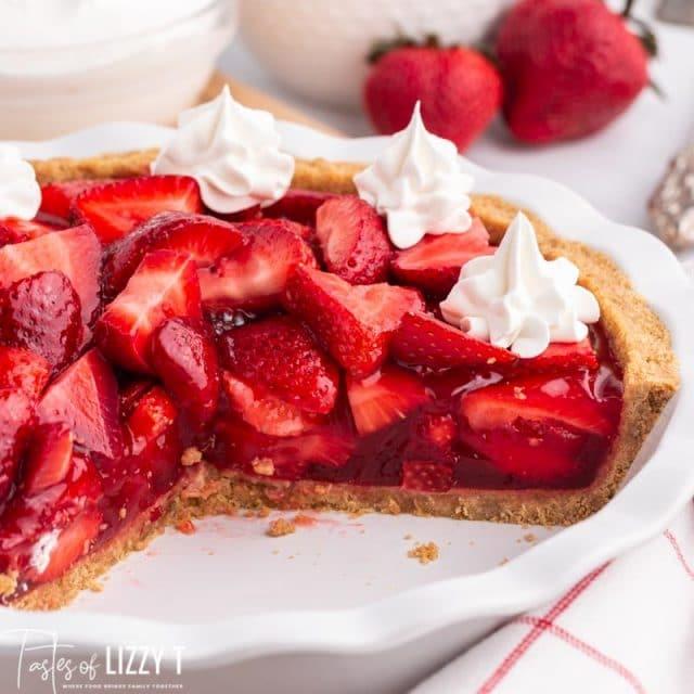 strawberry pie in a pie plate