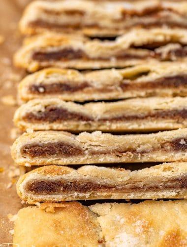 slices of cinnamon thing pie crust desserts