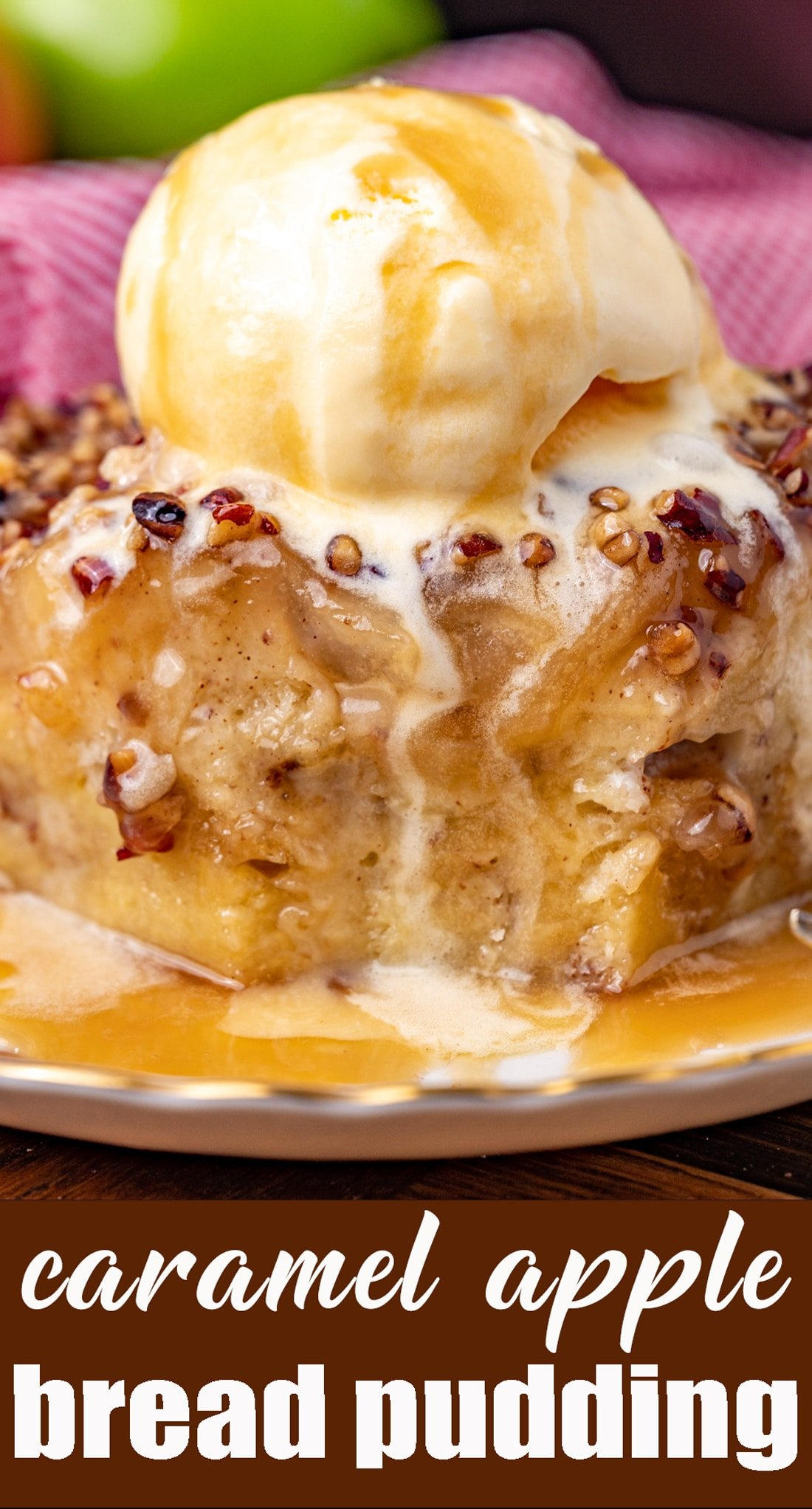 Caramel apple bread pudding is the perfect treat for breakfast, brunch, or dessert. It's one of the best apple recipes you can make for with festive fall flavors! via @tastesoflizzyt