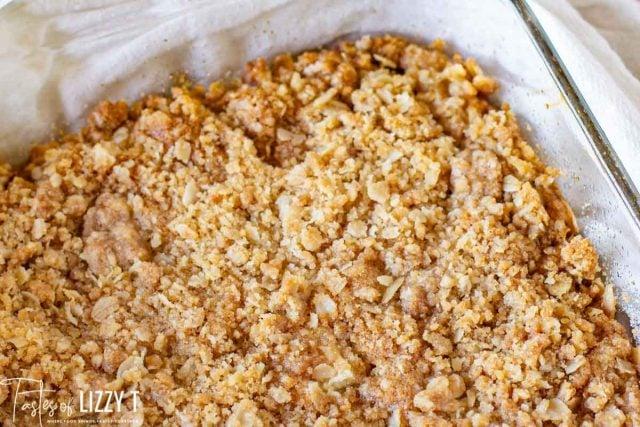 oatmeal bars in a glass pan