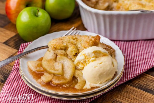 apple cobbler with ice cream on a plate