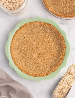 pie crust made with quick oats in a pie plate
